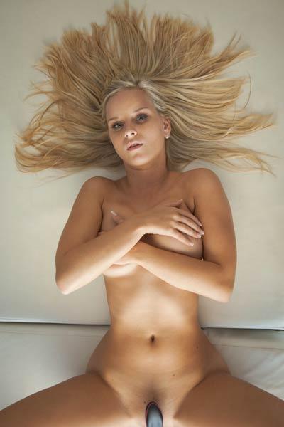 Miela Blonde Ambition
