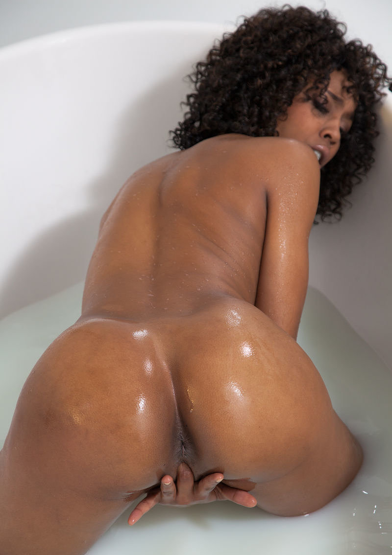 Black Booty Pictures, Ghetto Booty Pics, Big Ebony Asses