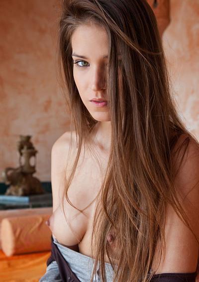 Simona in Warm Hot She from Joymii