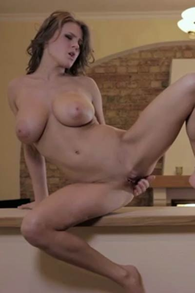 Vanea H Wet Climax Video