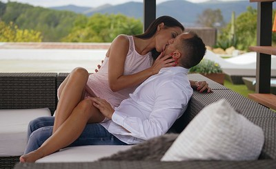 Kari in Sex on Ibiza from Joymii