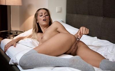 Christen in intense orgasm from Joymii