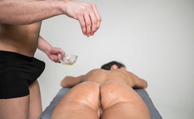 Alyssia Kent in Fucking my masseur from Joymii